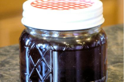 Homemade Vanilla Extract - Bacon and Whipped Cream